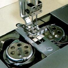 Máy may công nghiệp 02 kim cố định, ổ ngửa, bàn lừa dạng Needle Feed - Hiệu Britex, Model: BR-20518.